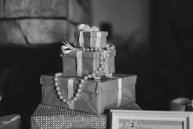 10 причин, почему вам не дарят дорогие подарки.