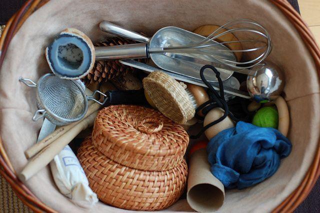 Сенсорный опыт: корзинка с сокровищами