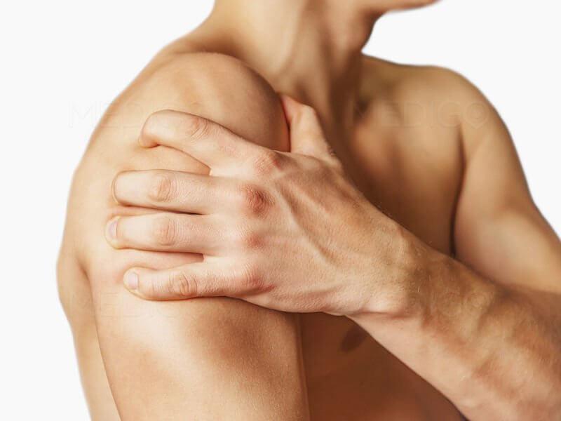 Болит сустав руки в плече что делать