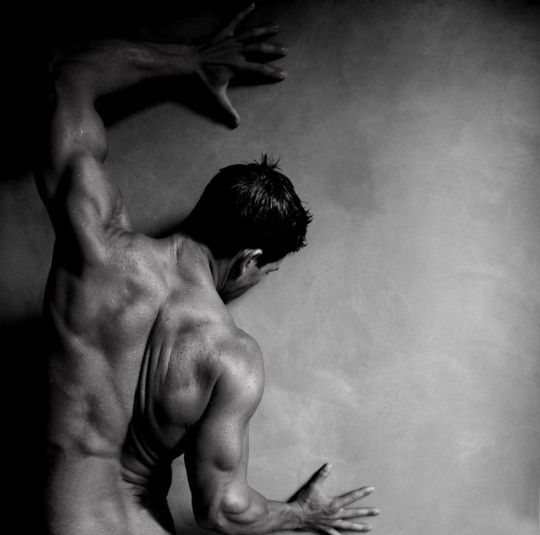 Почему нам нравятся красивые тела. Краденые эмоции и Путь Героя.