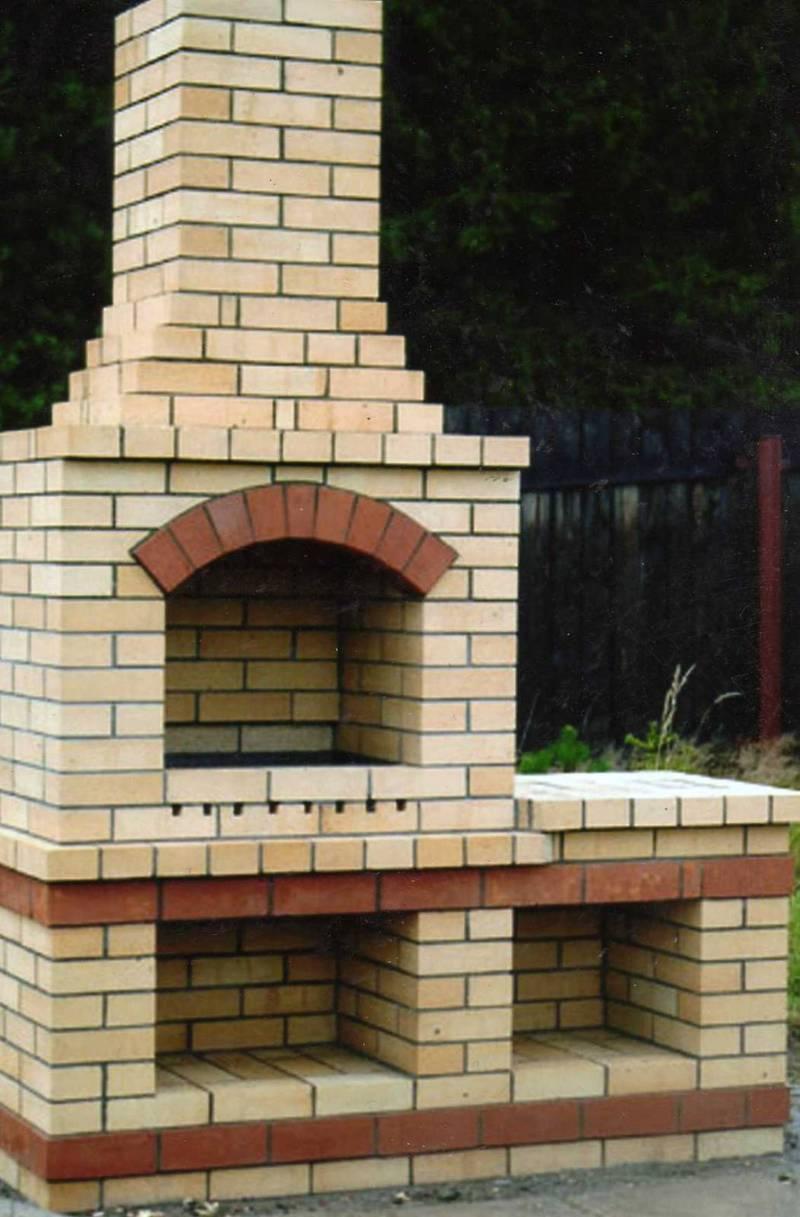 Как построить простой мангал из кирпича