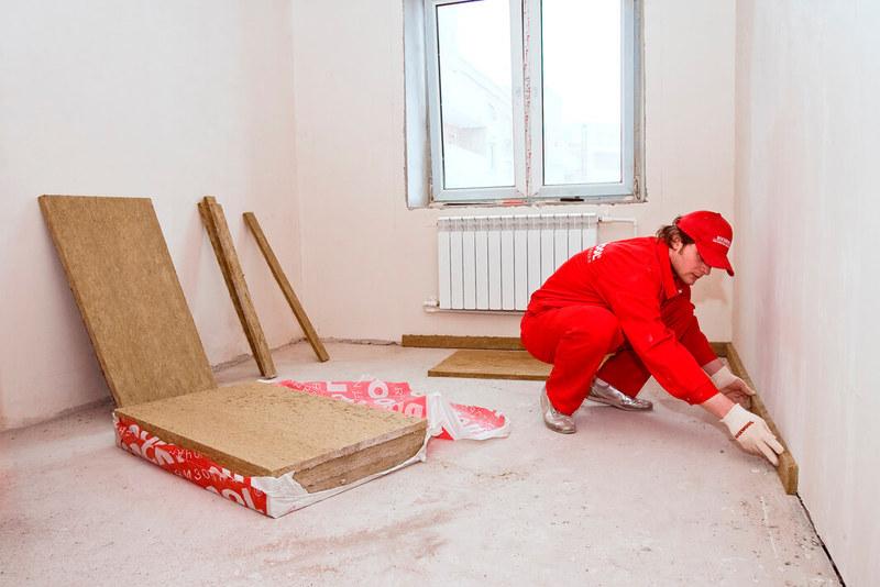 In Ziegelhäuser Wänden Dicke Platten, Und Der Ton Wird Massivere Strukturen  Gedämpft. Nur Die Decke Ist Oft Genug, Um Zu ändern, Den Geräuschpegel Zu  ...