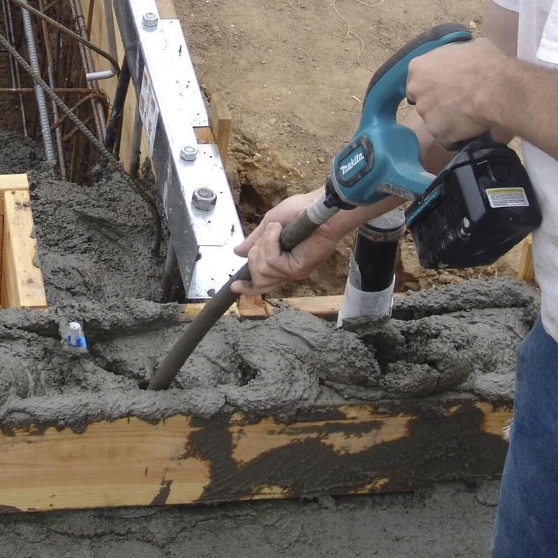 как пользоваться вибратором для бетона