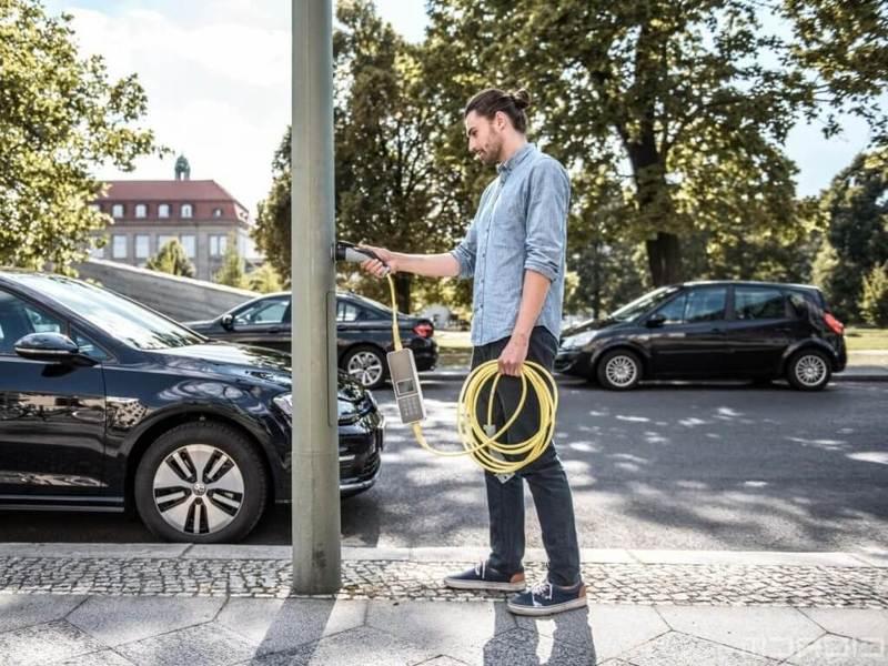 Стартап Ubitricity: фонарные столбы превратили в зарядки для электромобилей
