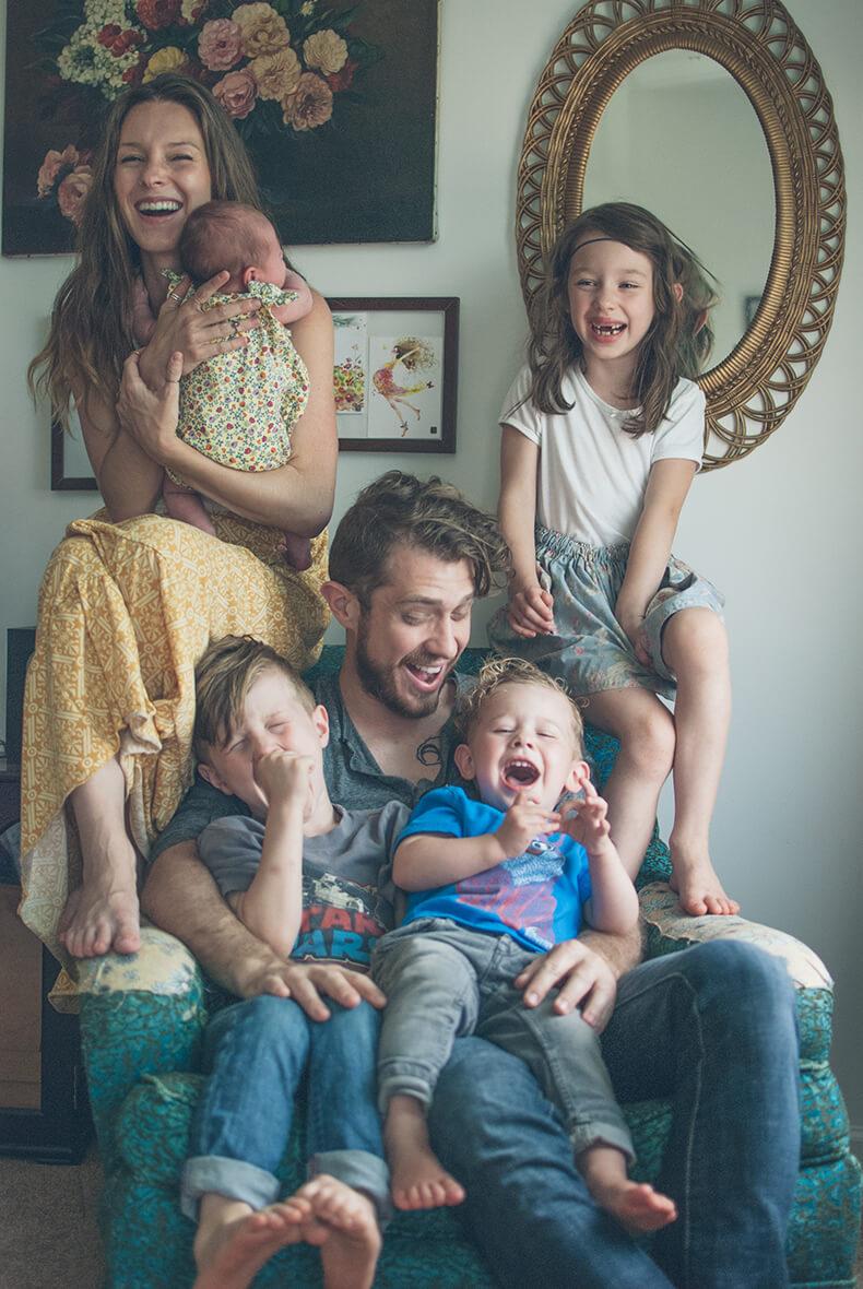 Фото семьи с детьми стильные