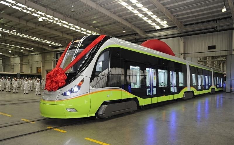 В Китае выпустили первый беспилотный трамвай