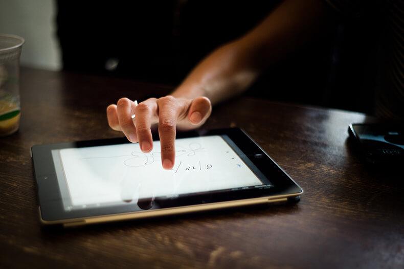 10 причин забрать у ребёнка планшет и смартфон