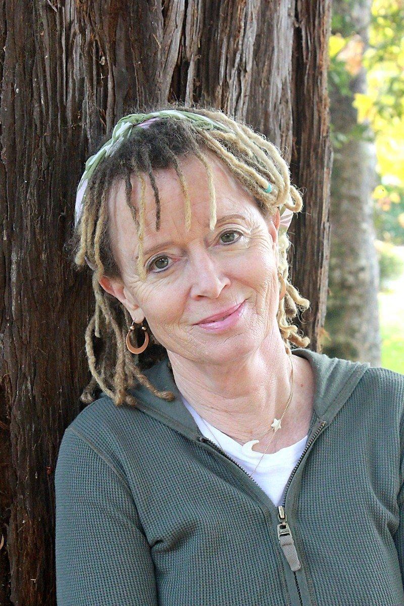 Энн Ламотт: Вы неможете никого спасти, исправить или заставить «завязать»