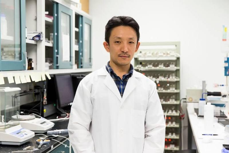 Новый наноматериал извлекает водород из морской воды