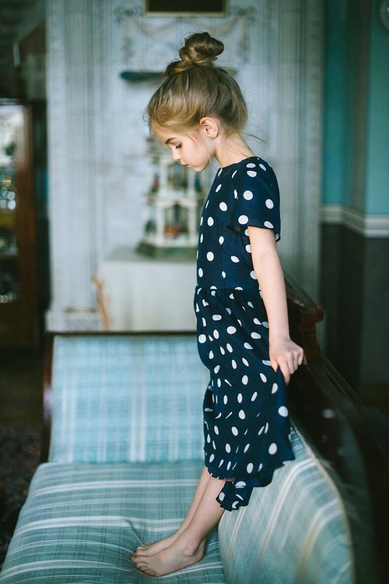 Красивая девочка фото на аву 10 лет