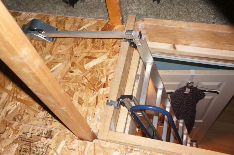 установка раскладной лестницы на чердак
