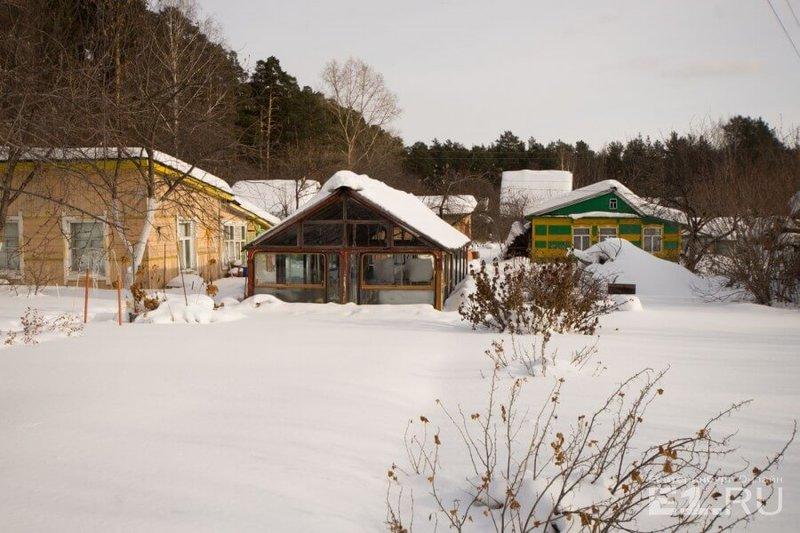 Снегоудержание на даче очень нужная мера