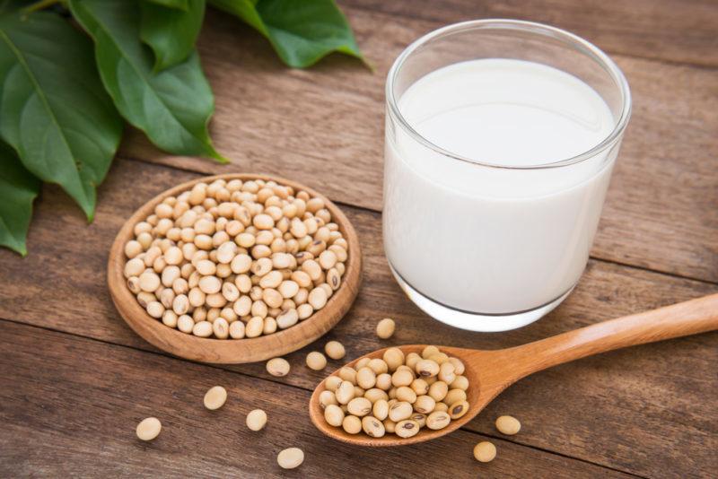 СОЯ: эта «чудесная пища здоровья» связана с повреждением мозга и раком молочной железы