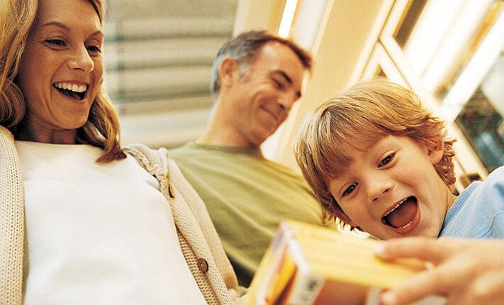 «Мама, купи-и-и!»: с какого момента родительская щедрость начинает вредить