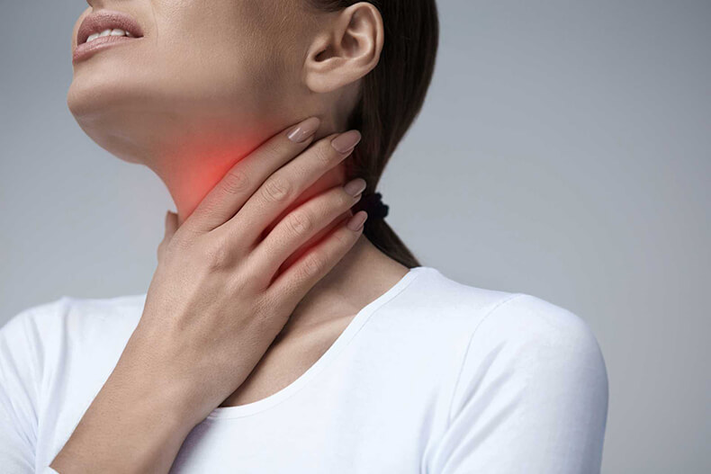 Узелки на голосовых связках: 5 возможных симптомов