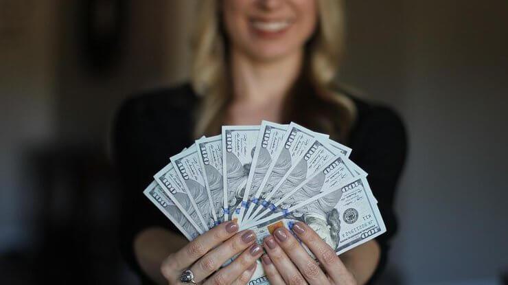Как наладить отношения с деньгами: Техника «Денежный стул»