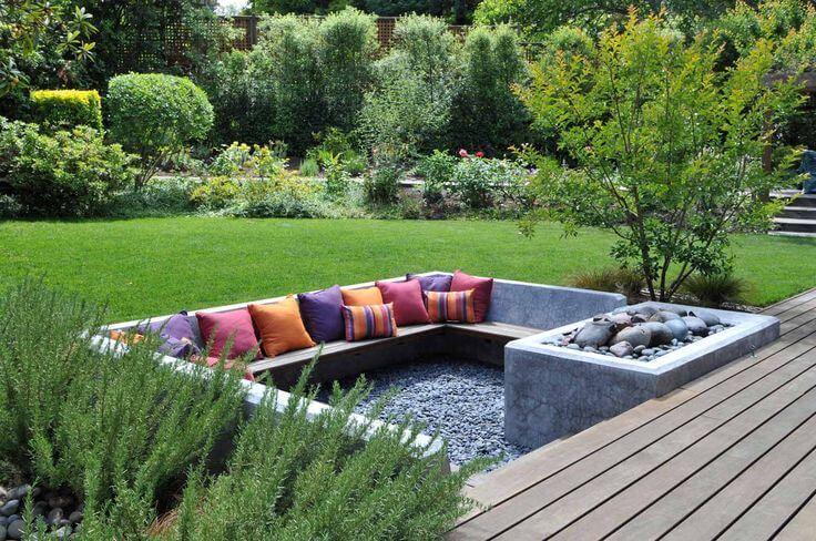 Утопленный сад: необычная площадка для отдыха на участке