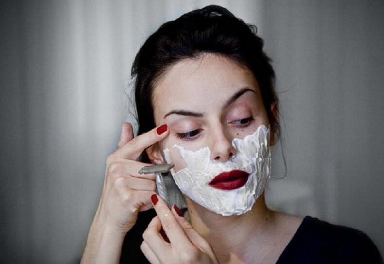 «Сбриваем» брыли! Удивительная техника омоложения лица