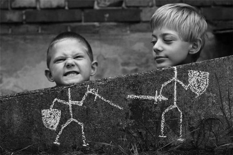 «За ребенка готова порвать, зарядить с ноги и поставить других на колени»