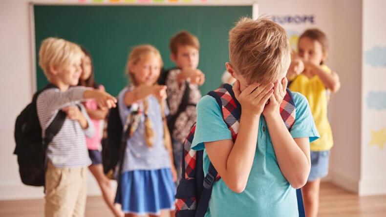 7 заблуждений взрослых о травле от Людмилы Петрановской