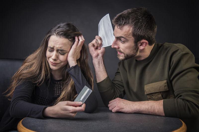 Финансовое НАСИЛИЕ: Что это такое и как от него избавиться
