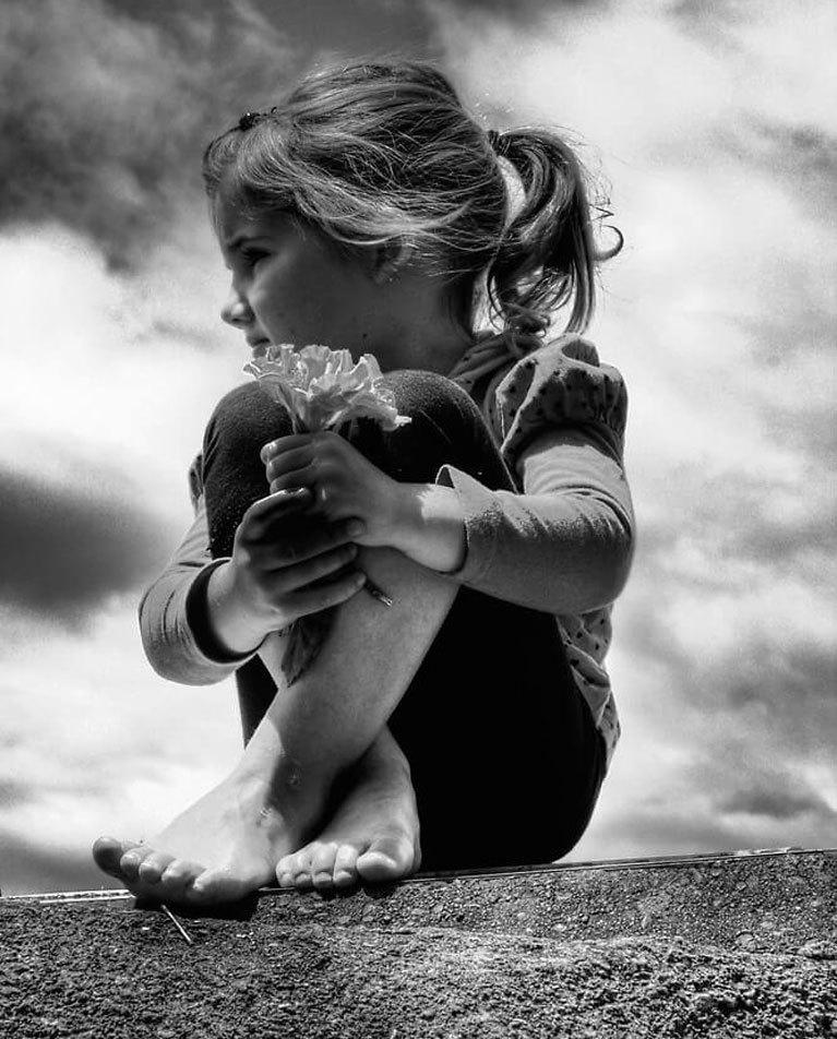 Как отец влияет на судьбу дочери, даже если никогда не присутствовал в жизни ребёнка