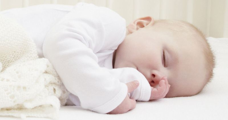 Почему младенцы не должны спать одни