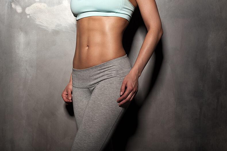 Всего 1 упражнение на валике: Выпрямить спину, стать стройнее и даже выше!