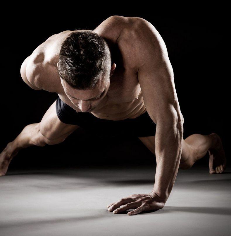 40 отжиманий для долгой жизни: Почему отжимания от пола так важны для здоровья мужчин?