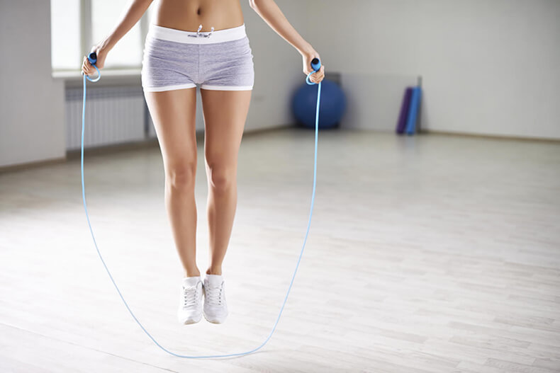 Как быстро похудеть в бедрах и ногах в домашних условиях?