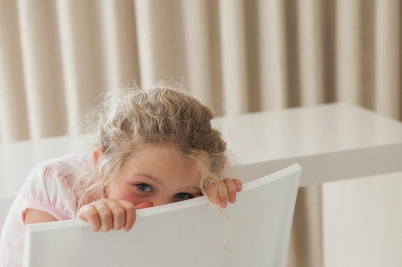 Как помочь ребенку преодолеть застенчивость: 6 способов
