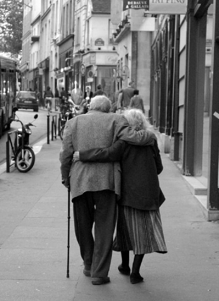 Почему трудно заботиться о стареющих родителях