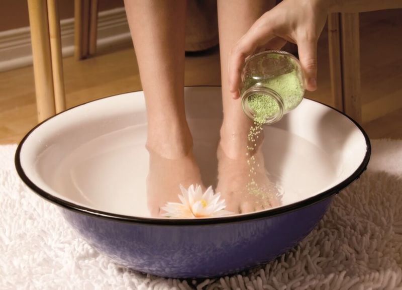 Простой метода выведения токсинов через ноги