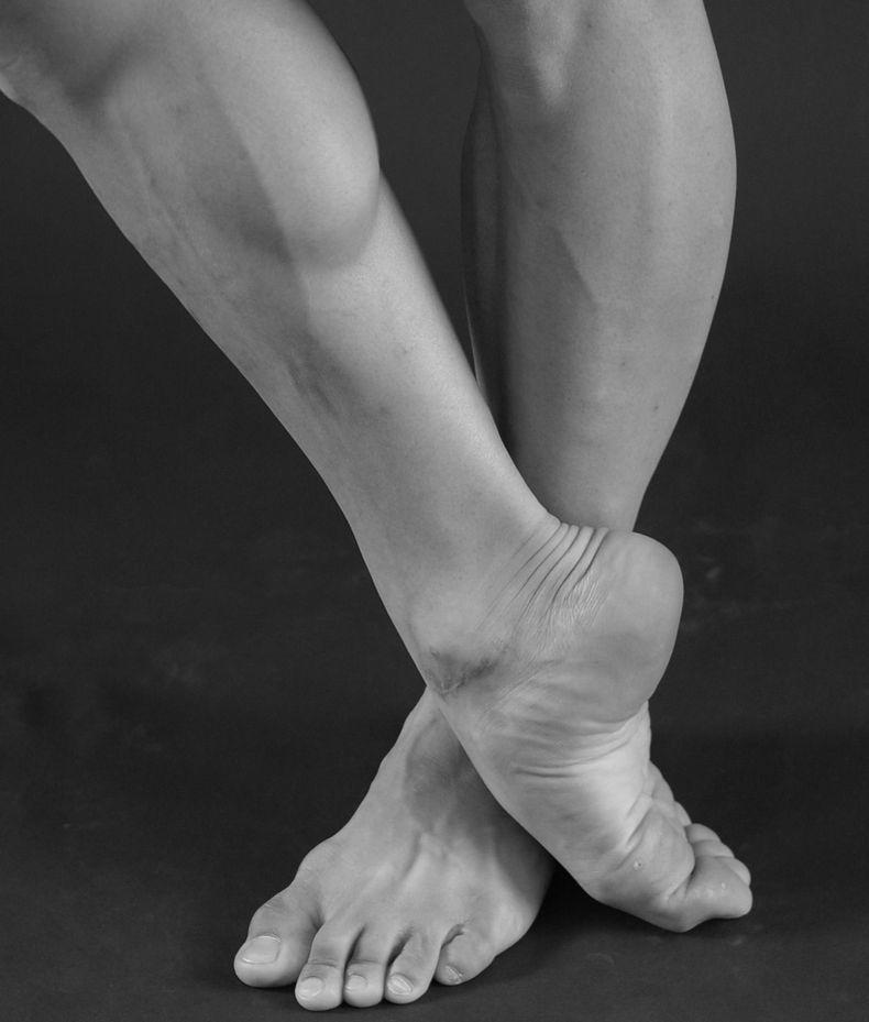«Цурай»: Упражнение, которое избавит ноги от постоянной усталости