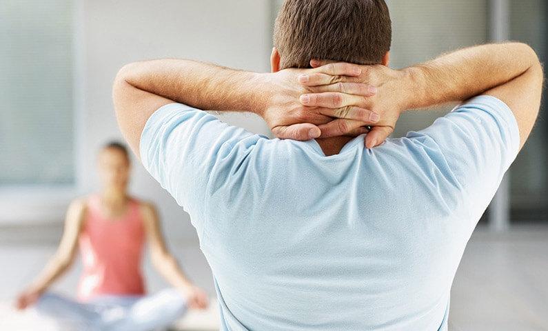 Изометрические упражнения от боли шее и головной боли