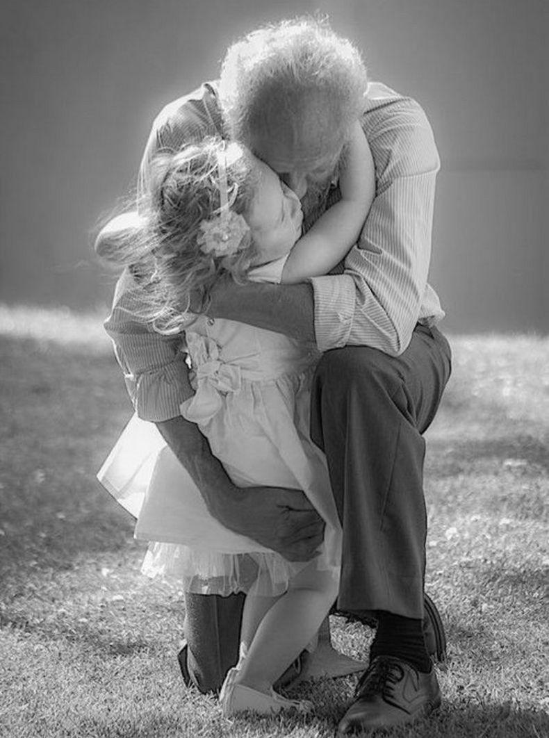 Если дети растут с бабушкой и дедушкой, они счастливее, умнее и воспитаннее