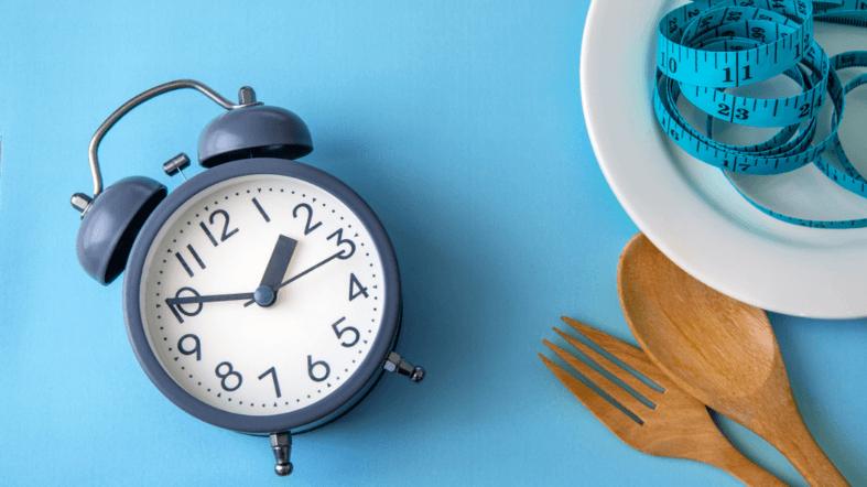 Прерывистое голодание: Научное обоснование ограничения приемов пищи по времени