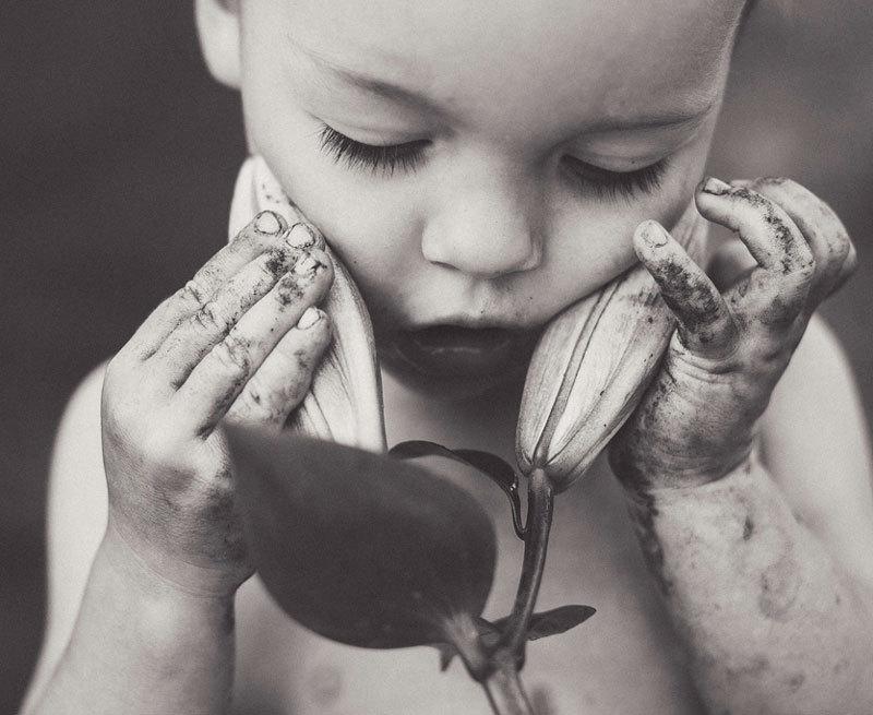 7 признаков того, что ребенка недолюбили