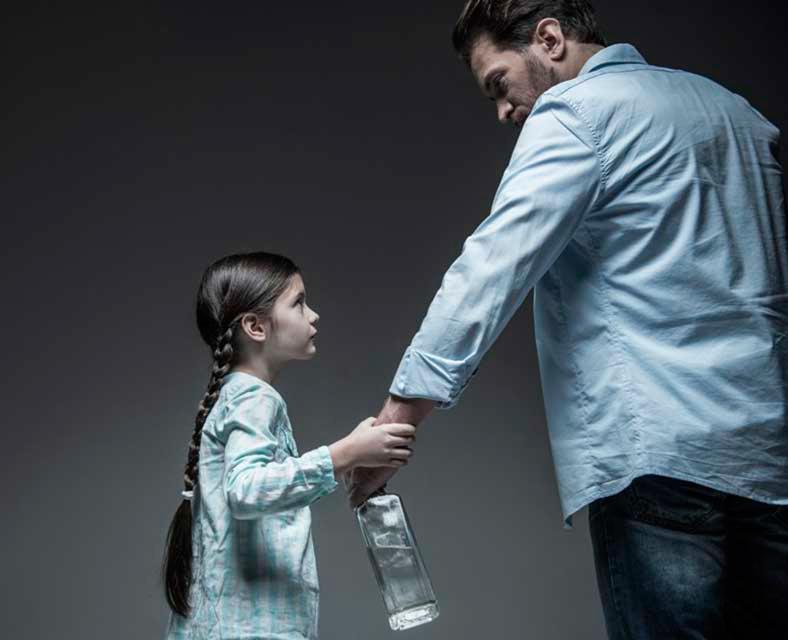 Что происходит с ребенком алкоголиков, когда он вырастает?