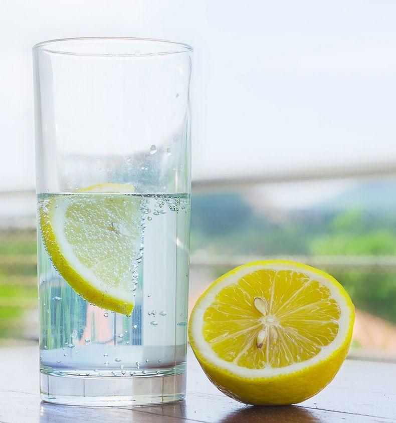 7 убедительных причин пить теплую воду натощак