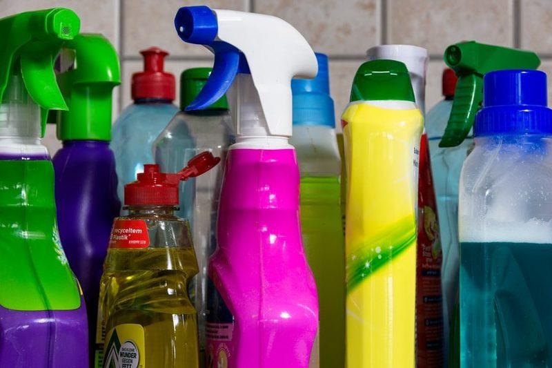 Уборка дома с чистящими средствамиэквивалентнакурению 20 сигарет в день!