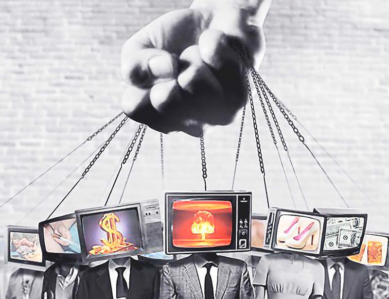 Наом Хомский: 10 приемов, с помощью которых контролируют массы
