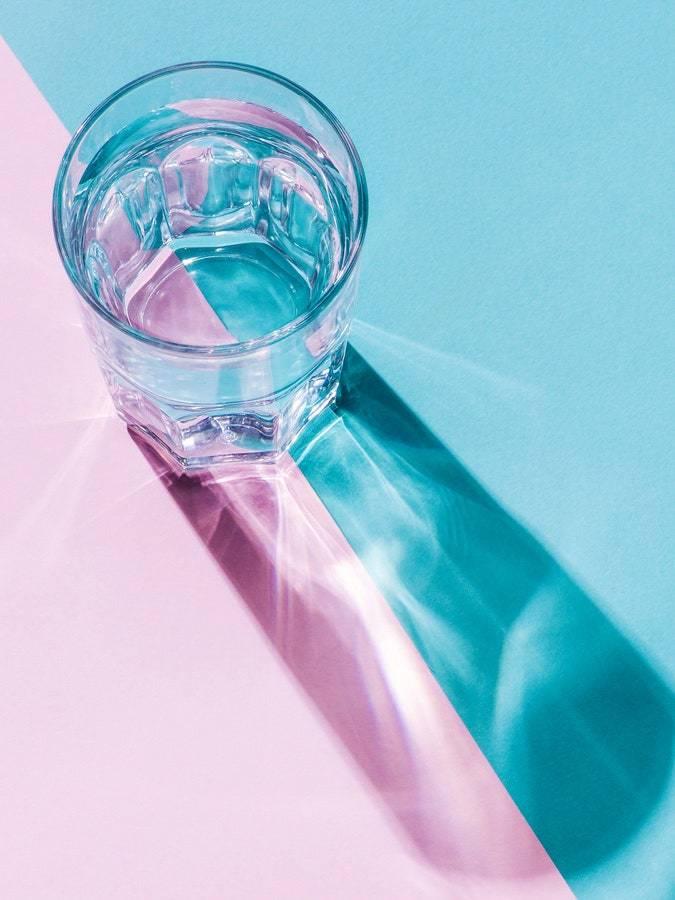 Почему так важно пить достаточное количество воды