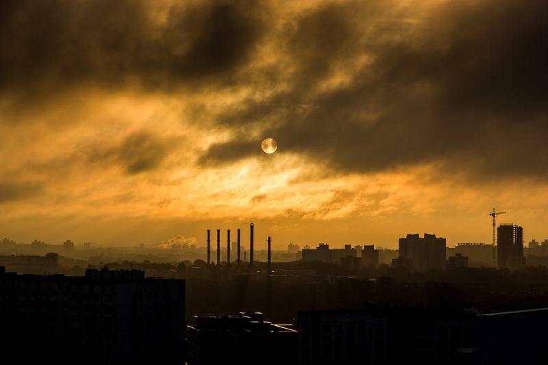 Исследования показывают, что загрязнение воздуха приводит к увеличению потребления электроэнергии