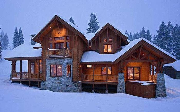 Зимой в деревянном доме тепло и уютно