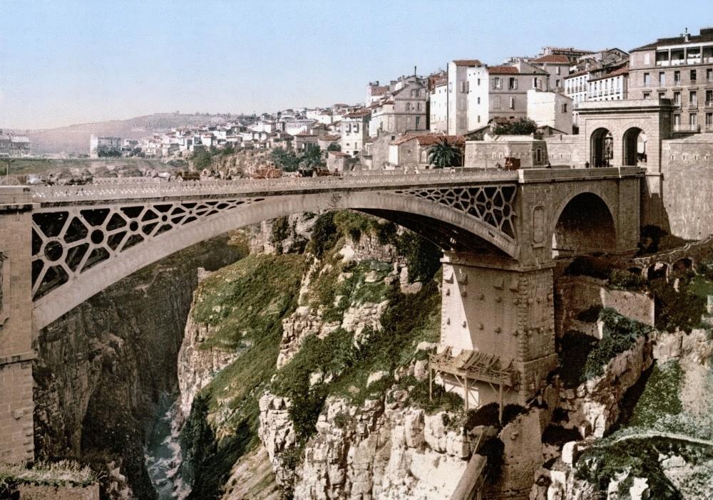Фоторепортаж 25 нереальных мостов