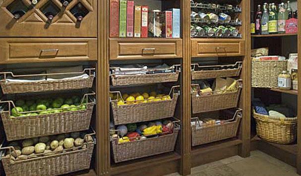 Как организовать кладовку для хранения продуктов