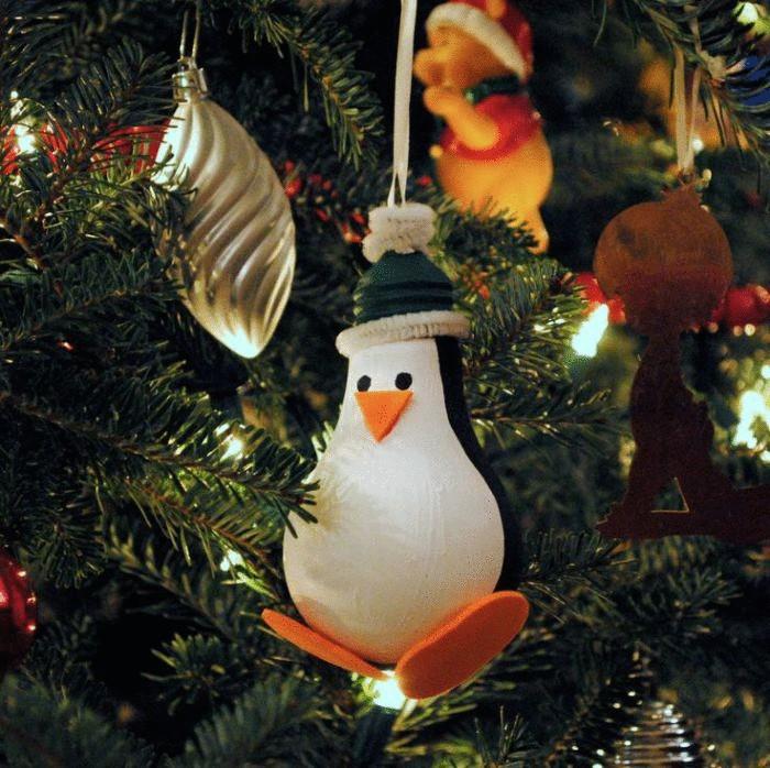 Пингвин из лампочки своими руками