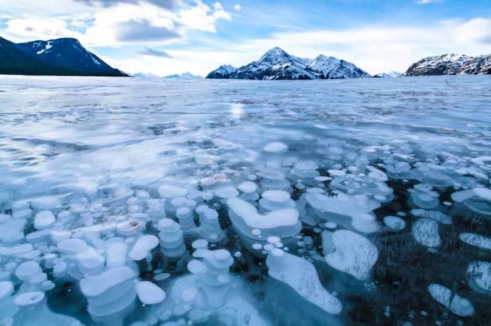 12 природных произведений искусства из снега и льда