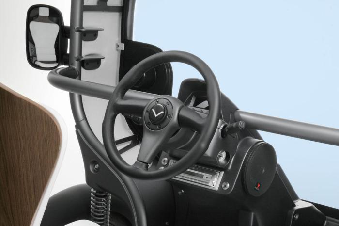 Руль и автомобильная панель Venturi Eclectic.